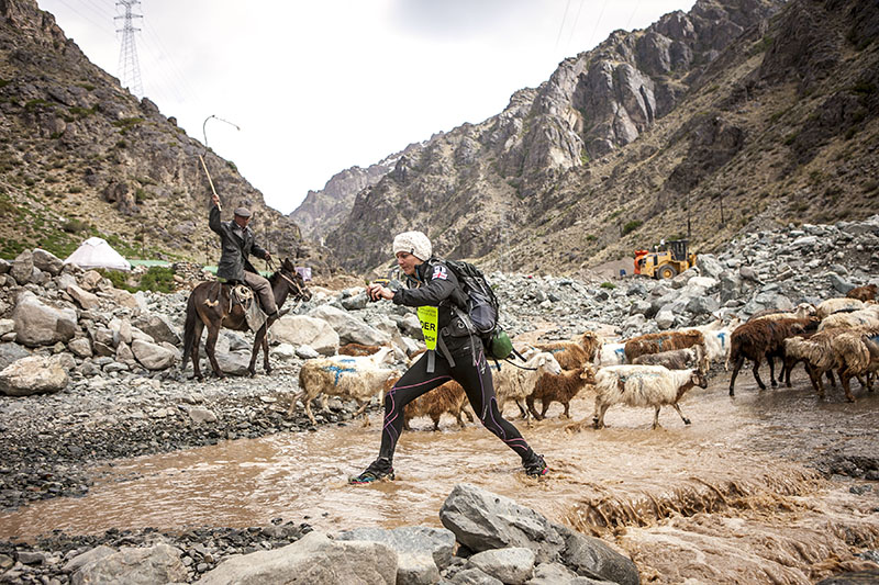 Tradition clashes with development in China's Gobi Desert as female champion Daphne Tsalli makes her way along the 250km course.